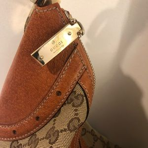 Classic Gucci Hobo shoulder bag